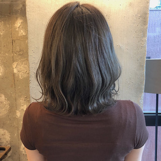 くすみカラー ヘアアレンジ アンニュイほつれヘア 暗髪 ヘアスタイルや髪型の写真・画像 ヘアスタイルや髪型の写真・画像