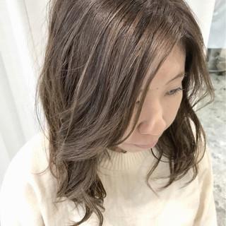 スポーツ セミロング フェミニン ヘアアレンジ ヘアスタイルや髪型の写真・画像
