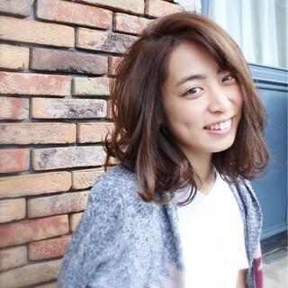 ストリート 外国人風 小顔 ハイライト ヘアスタイルや髪型の写真・画像