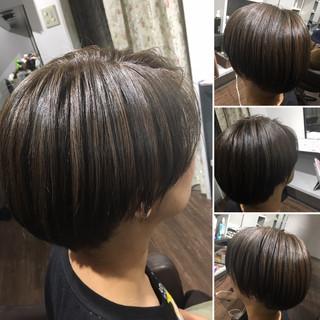 大人ハイライト ショート コントラストハイライト ナチュラル ヘアスタイルや髪型の写真・画像