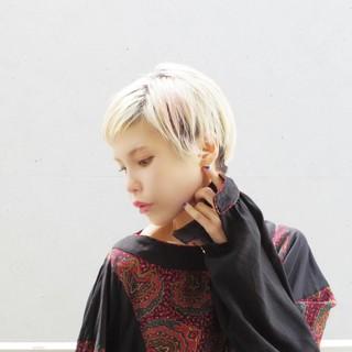 ハイトーン 前髪あり モード ベリーショート ヘアスタイルや髪型の写真・画像