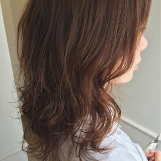 フェミニン ナチュラル ブラウンベージュ 大人かわいい ヘアスタイルや髪型の写真・画像 ヘアスタイルや髪型の写真・画像