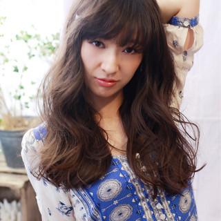 フェミニン アンニュイ ロング パーマ ヘアスタイルや髪型の写真・画像