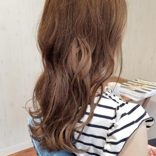 フェミニン セミロング イルミナカラー 透明感 ヘアスタイルや髪型の写真・画像