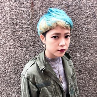 マッシュ ボブ ダブルカラー ストリート ヘアスタイルや髪型の写真・画像