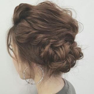 簡単ヘアアレンジ ヘアアレンジ ショート ミディアム ヘアスタイルや髪型の写真・画像