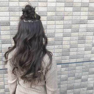 フェミニン グラデーションカラー アッシュ こなれ感 ヘアスタイルや髪型の写真・画像