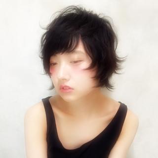 大人かわいい ショート 暗髪 外国人風 ヘアスタイルや髪型の写真・画像