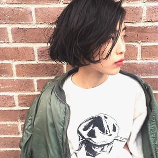 冬 暗髪 色気 パーマ ヘアスタイルや髪型の写真・画像