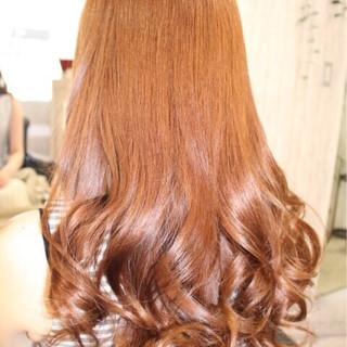 ロング イエロー ゆるふわ オレンジ ヘアスタイルや髪型の写真・画像
