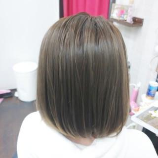 アディクシーカラー ボブ ミルクティーベージュ イルミナカラー ヘアスタイルや髪型の写真・画像