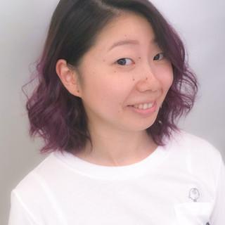 個性的 グラデーションカラー ピンク ボブ ヘアスタイルや髪型の写真・画像