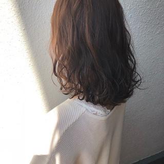 ダブルカラー アッシュベージュ 卒業式 ナチュラル ヘアスタイルや髪型の写真・画像