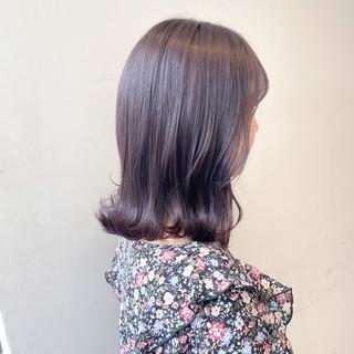 グレージュ ナチュラル 春色 ミディアム ヘアスタイルや髪型の写真・画像
