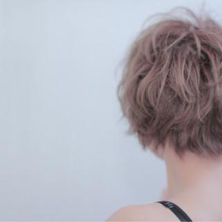 丸顔 外国人風 ストリート ショート ヘアスタイルや髪型の写真・画像