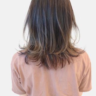 グラデーションカラー ストリート アッシュグレージュ バレイヤージュ ヘアスタイルや髪型の写真・画像 ヘアスタイルや髪型の写真・画像