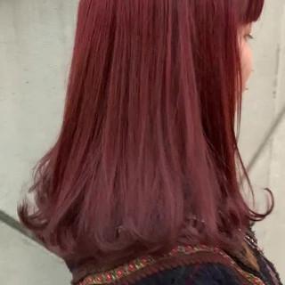 ガーリー レッドカラー ラベンダーアッシュ ラベンダー ヘアスタイルや髪型の写真・画像