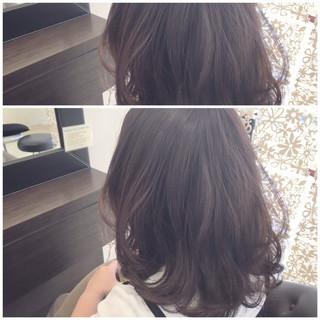 アッシュ 大人かわいい パーマ ニュアンス ヘアスタイルや髪型の写真・画像