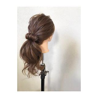 ロング ナチュラル ローポニーテール ポニーテール ヘアスタイルや髪型の写真・画像 ヘアスタイルや髪型の写真・画像