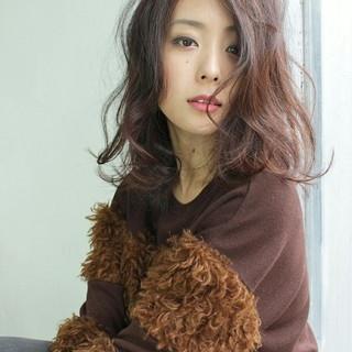 ガーリー 色気 外国人風 ピンク ヘアスタイルや髪型の写真・画像