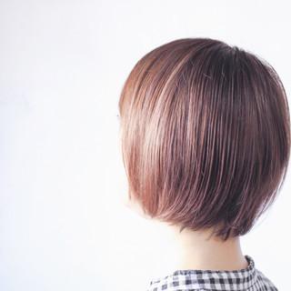 パープル ボブ パープルアッシュ コントラストハイライト ヘアスタイルや髪型の写真・画像