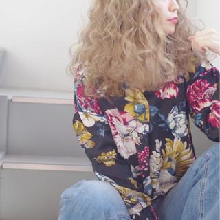 アッシュ ラフ ハイトーン 外国人風カラー ヘアスタイルや髪型の写真・画像