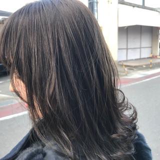 アンニュイほつれヘア ガーリー アッシュグレージュ 透明感 ヘアスタイルや髪型の写真・画像