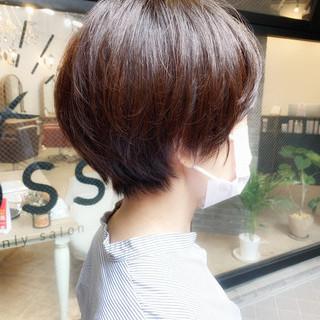 ゆるふわ オフィス ショートヘア ナチュラル ヘアスタイルや髪型の写真・画像