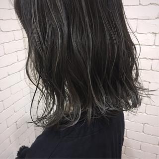ミディアム 切りっぱなし ラフ 抜け感 ヘアスタイルや髪型の写真・画像