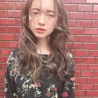 外国人風カラー ナチュラル デート ハイライト ヘアスタイルや髪型の写真・画像