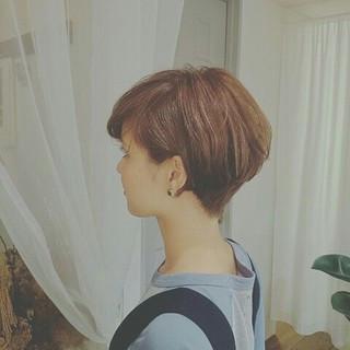 ハイライト 大人かわいい ストリート ショート ヘアスタイルや髪型の写真・画像 ヘアスタイルや髪型の写真・画像