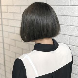 アッシュグレー ボブ グレージュ 暗髪 ヘアスタイルや髪型の写真・画像