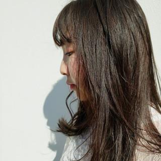 ナチュラル セミロング レイヤーロングヘア 大人ハイライト ヘアスタイルや髪型の写真・画像