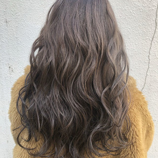 グレージュ 透明感カラー ラベンダーグレージュ アッシュグレージュ ヘアスタイルや髪型の写真・画像