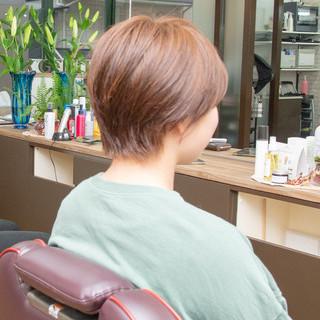 ヘアオイル ショート ナチュラル 大人かわいい ヘアスタイルや髪型の写真・画像 ヘアスタイルや髪型の写真・画像