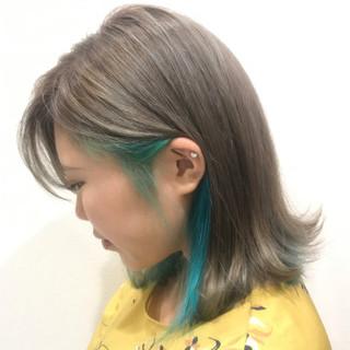 ブリーチ ストリート シルバー ミディアム ヘアスタイルや髪型の写真・画像 ヘアスタイルや髪型の写真・画像