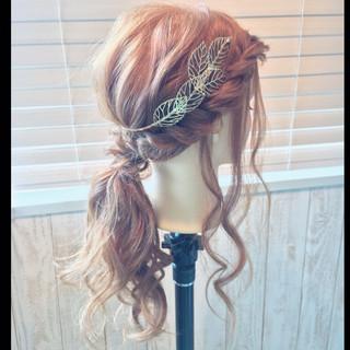 セミロング ヘアアレンジ ローポニーテール ヘアアクセ ヘアスタイルや髪型の写真・画像