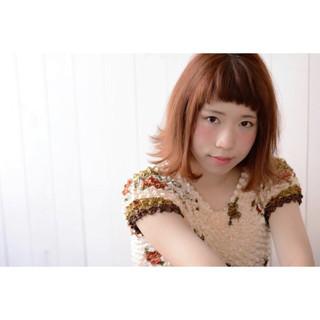 ショートバング オレンジ ガーリー アプリコットオレンジ ヘアスタイルや髪型の写真・画像