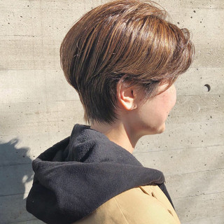 ナチュラル ショートヘア ハイライト 大人ハイライト ヘアスタイルや髪型の写真・画像