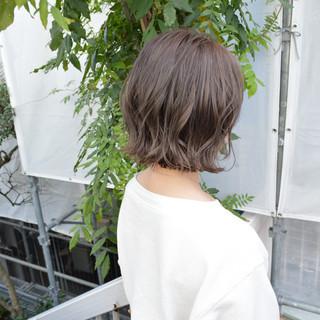 切りっぱなし デート 簡単ヘアアレンジ パーマ ヘアスタイルや髪型の写真・画像