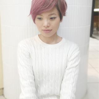 ダブルカラー ブリーチ ストリート ショート ヘアスタイルや髪型の写真・画像