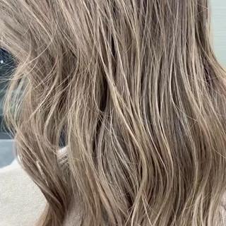 外国人風 ガーリー ブロンドカラー ブロンド ヘアスタイルや髪型の写真・画像