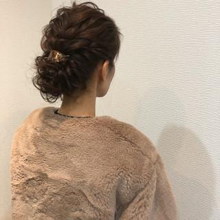 フェミニン アップスタイル ねじり アップ ヘアスタイルや髪型の写真・画像