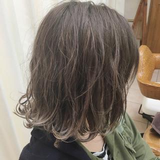 アッシュ 外国人風カラー 3Dカラー グレージュ ヘアスタイルや髪型の写真・画像