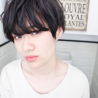 前髪あり 外国人風 パーマ 黒髪 ヘアスタイルや髪型の写真・画像