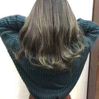 外国人風カラー デザインカラー ダブルカラー ガーリー ヘアスタイルや髪型の写真・画像