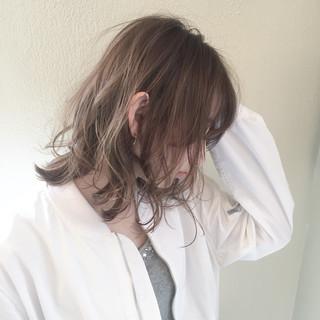 ウルフカット マッシュ パーマ ニュアンス ヘアスタイルや髪型の写真・画像