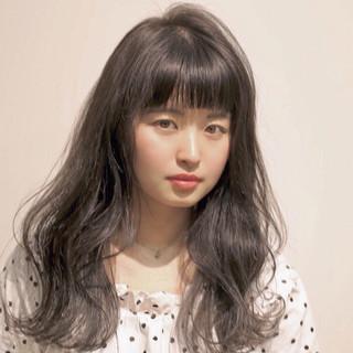 黒髪 暗髪 外国人風 前髪あり ヘアスタイルや髪型の写真・画像 ヘアスタイルや髪型の写真・画像