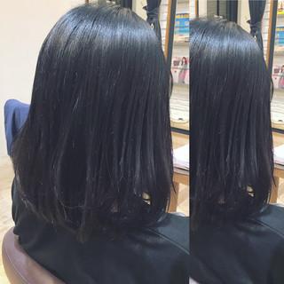 外国人風 イルミナカラー グレージュ モード ヘアスタイルや髪型の写真・画像