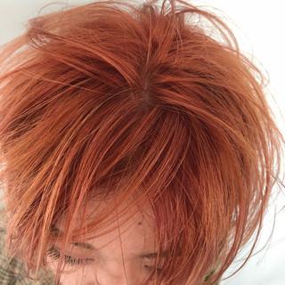 オレンジベージュ アプリコットオレンジ アウトドア オレンジカラー ヘアスタイルや髪型の写真・画像